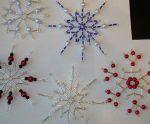 Плетение снежинок из бисера и стекляруса — несколько вариантов схем