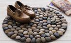 Полезный коврик из морских камней своими руками