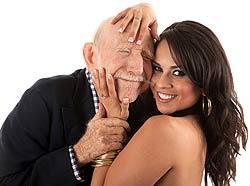 неравный брак. мужчина старше