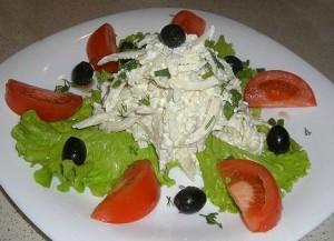 Вкуснейший салат с кальмаром. Рецепт