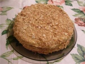 Торт «Наполеон» из домашнего слоеного теста. Рецепт