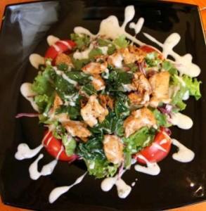рецепт салата с блинами и куриной грудкой