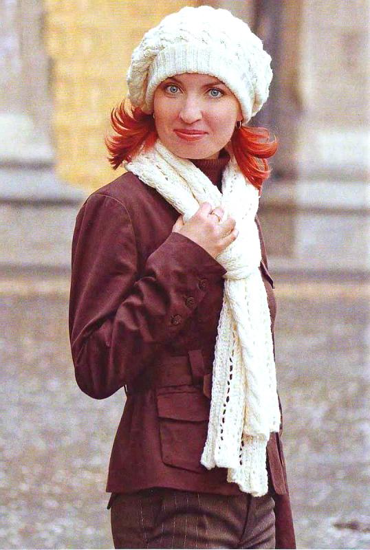 Вязание берета спицами с описанием и схемами.  Белый берет и шарф, связанные косами.  Простые схемы вязания на спицах...