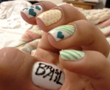 Как самостоятельно научиться рисовать на ногтях?