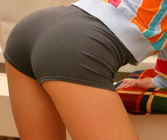 45843281_1229529331_buttocks_02