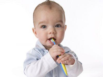 Как-облегчить-боль-у-малыша-при-прорезывании-зубов