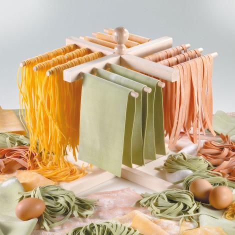 дома можно приготовить лучшие спагетти с помощью специальной машинки