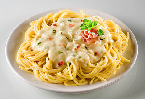 Спагетти с сыром и чесноком | Кулинарные рецепты от
