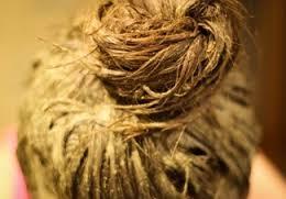тщательно смывайте хну с волос