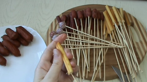 подготовка ингредиентов для букета